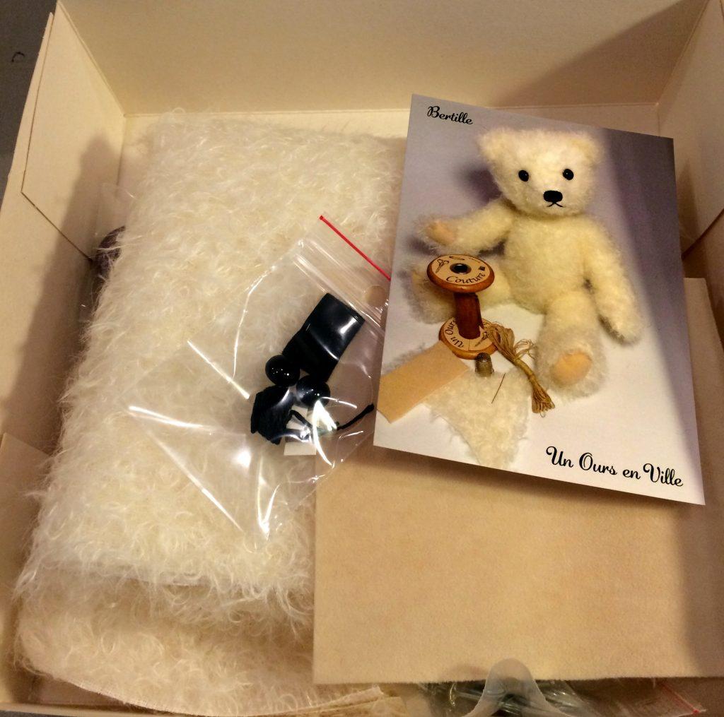 un-ours-en-ville-ours-en-kit
